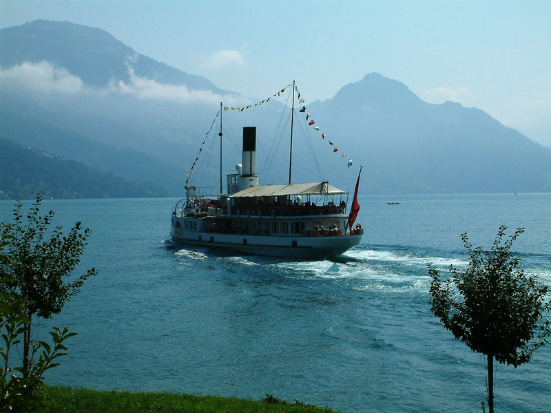 Paddle steamer Schiller leaving Hertenstein