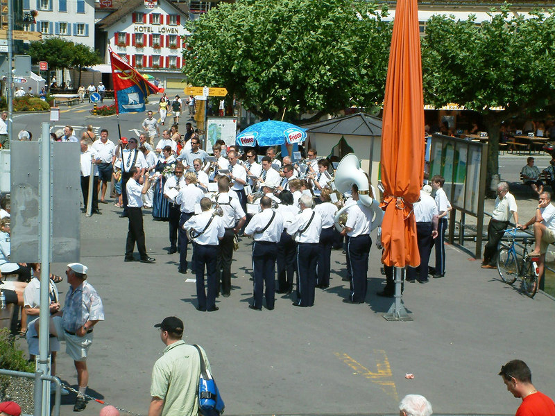 Band playing at Brunnen for the Swiss national day