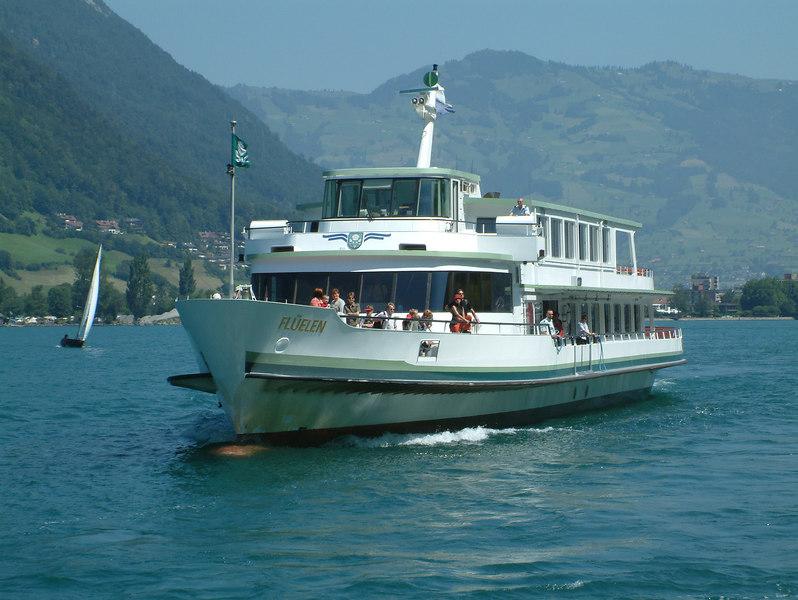 Motor vessel Fluelen arriving at Treib
