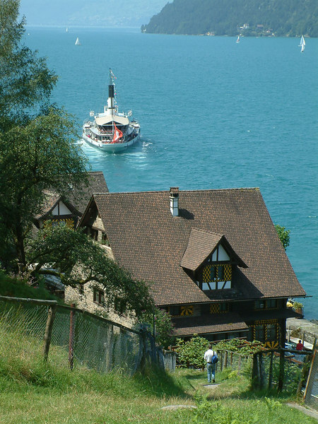 Paddle steamer Uri leaving Treib on the Vierwaldstattersee (Lake Lucerne)
