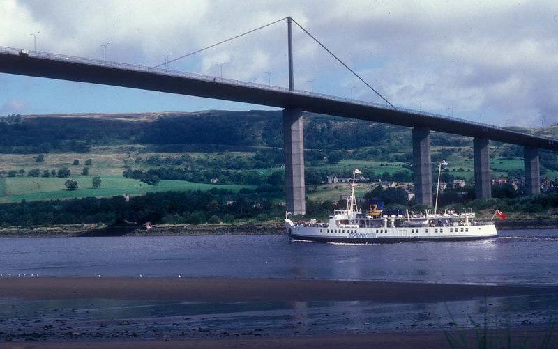 Southsea passing under Erskine Bridge