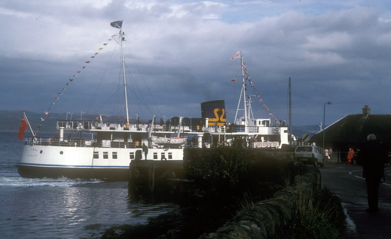 Southsea berthing at Tarbert - starboard side to.