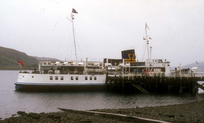 Southsea 'starboard side to' at Tighnabruaich.