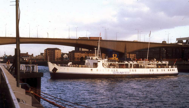 Southsea canting off Glasgow Anderston Quay