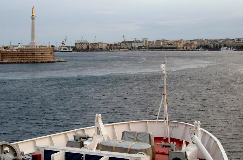 M/F Scilla, 12 September 2007 5 - Messina, 1841   Entering Messina harbour.