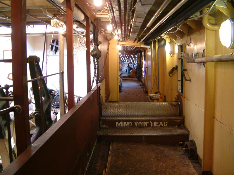 Starboard side engineroom alleyway