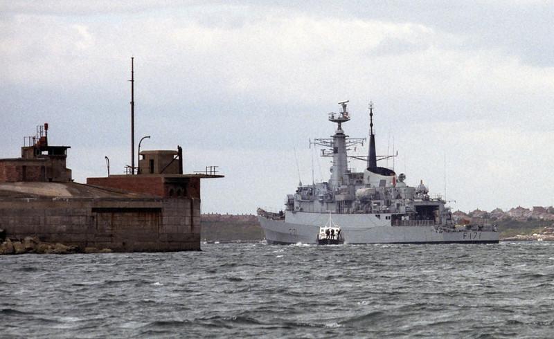 HMS Active, Portland, 1990 3