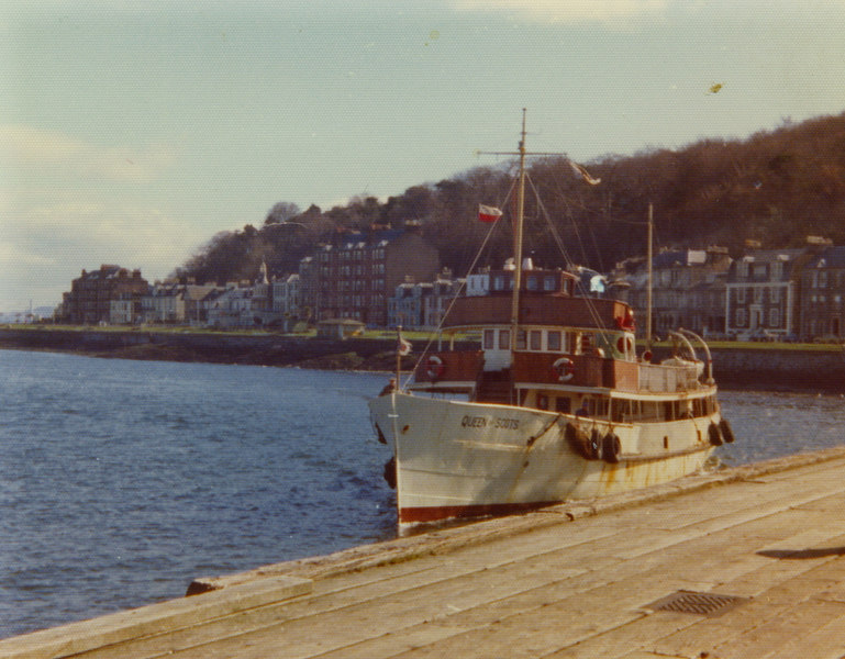 Queen of Scots berthing at Rothesay on 7th April 1976