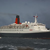 QE2 gathering speed<br /> <br /> Picture by Stuart Cameron