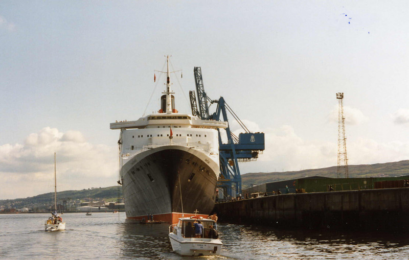 QE2's second visit to Greenock <br /> <br /> Picture by Tom Dunlop