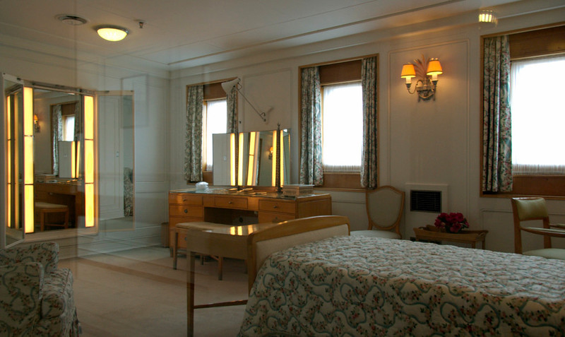 Queen's bedroom, Britannia, Leith, 14 October 2007 2