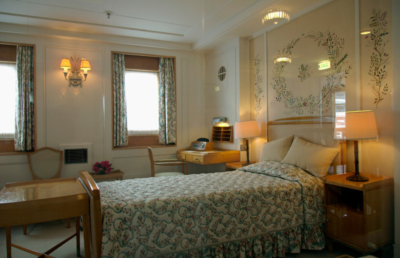 Queen's bedroom, Britannia, Leith, 14 October 2007 1