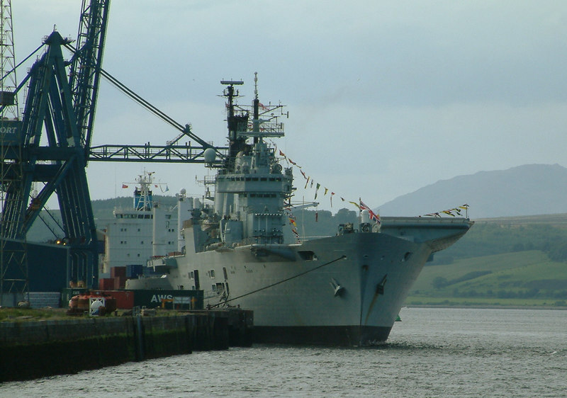 Later in the day Ark Royal was joined at Greenock Ocean Terminal by the then regularly calling container ship Maersk Apapa.