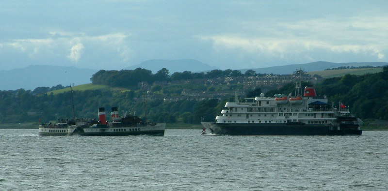 Waverley passing Hebridean Spirit off Dumbarton