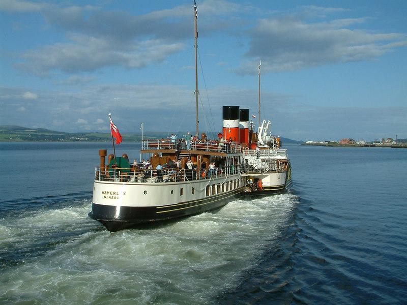 Waverley departing Greenock Customhouse Quay