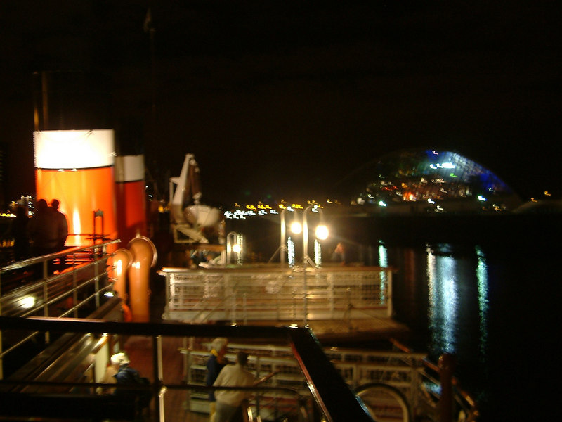 Waverley returning to Glasgow at end of last Clyde sailing in 2003