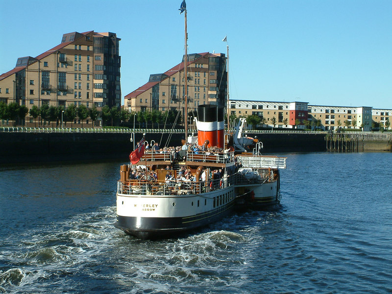 Waverley departing from Glasgow Anderston Quay