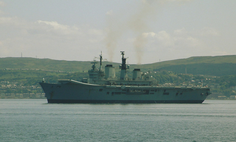 Later in Waverley's first post rebuild weekend she passed HMS Ark Royal which had moved out to anchor at the Tail of the Bank