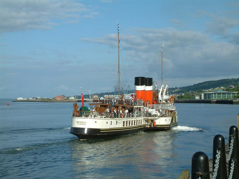 Waverley berthing at Greenock Customhouse Quay