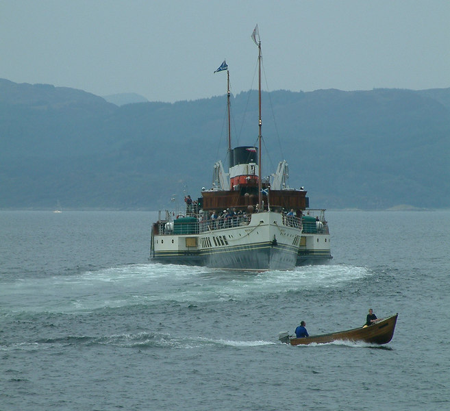 Waverley going astern from Tarbert