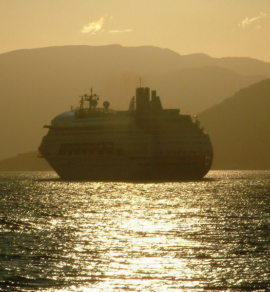 Arosa Blu heading off into a Clyde sunset