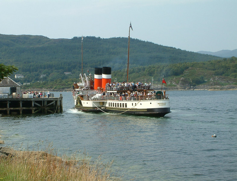 Waverley arriving at the Columba Pier, Tarbert