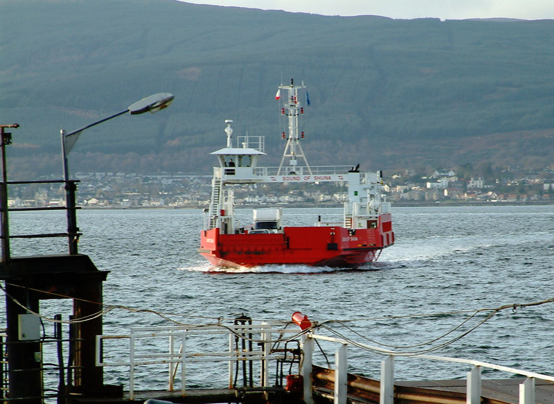 Another new ferry appeared on the upper Clyde in 2003. Unlike Coruisk, Western Ferries' Sound of Shuna was 'Clydebuilt' by Ferguson Shipbuilders of Port Glasgow. She is seen here arriving at McInroy's Point on the 'Renfrewshire' coast.