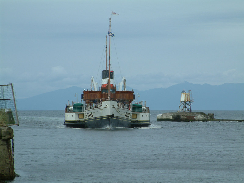 Waverley arriving at Ayr