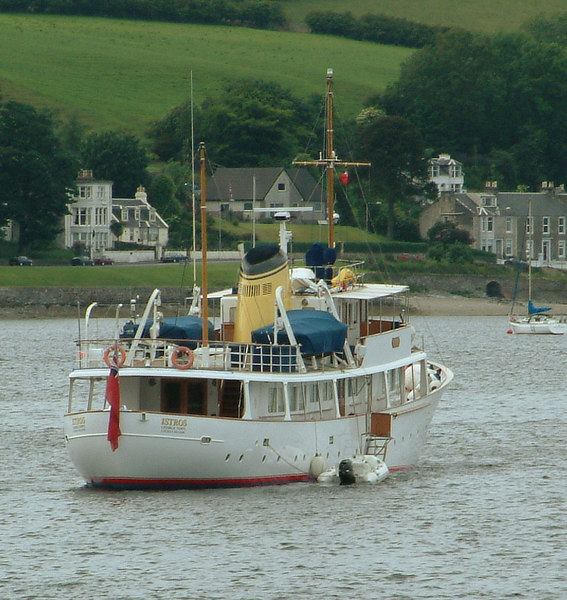 A welcome visitor to Rothesay Bay in June 2003 was the handsome motor yacht Istros, registered at Georgetown in the Cayman Islands.