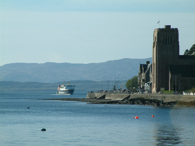 Lord of the Isles entering Oban Bay; St Columba's Cathedral on the right.
