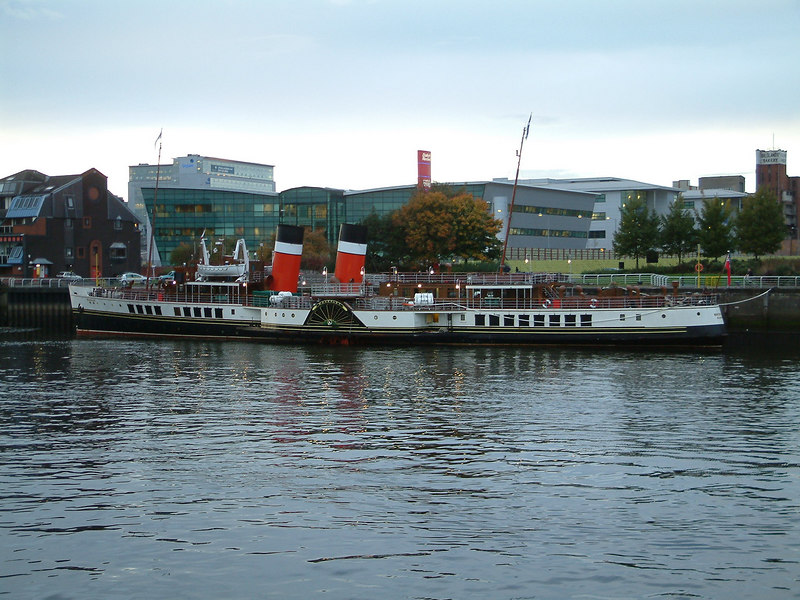 Waverley being laid up for the winter at Glasgow Anderston Quay, October 2003