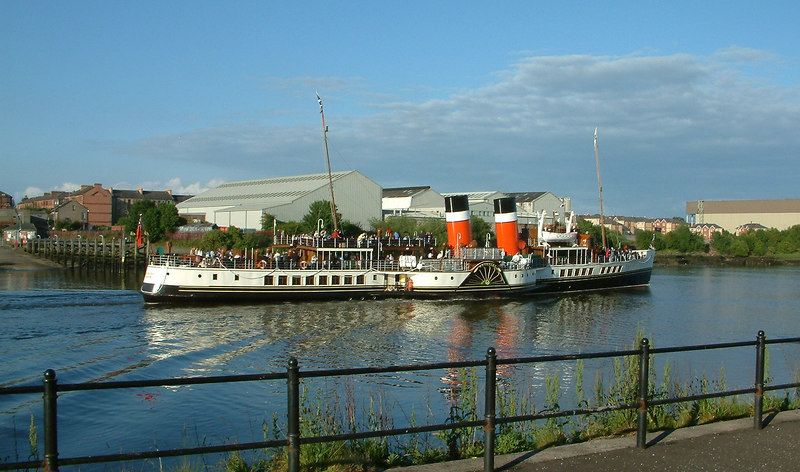 Waverley passing Renfrew Ferry Green