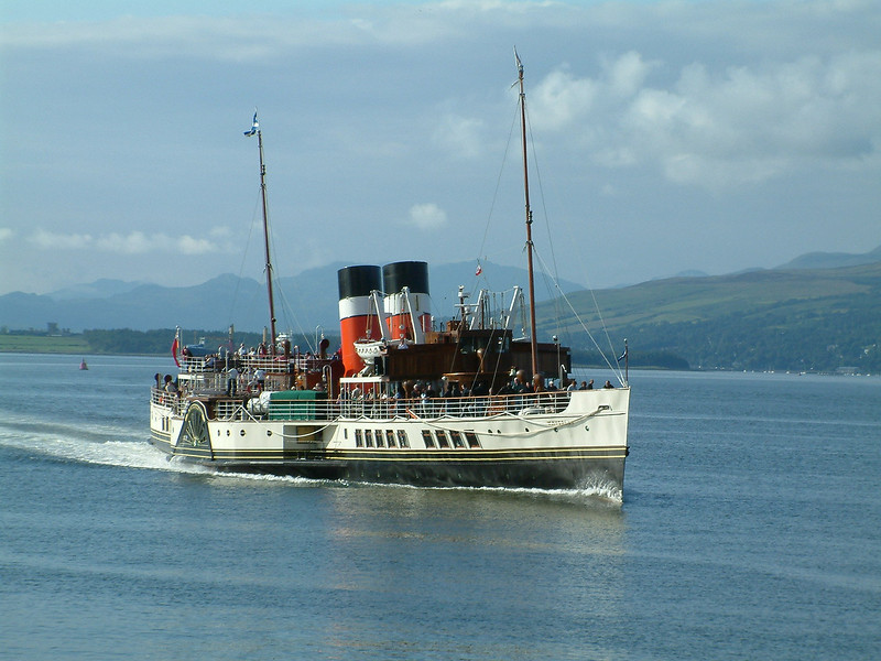 Waverley approaching Greenock Customhouse Quay