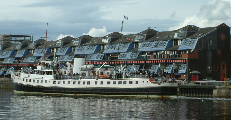 Balmoral leaving Glasgow on her annual trip to Millport Illuminations.
