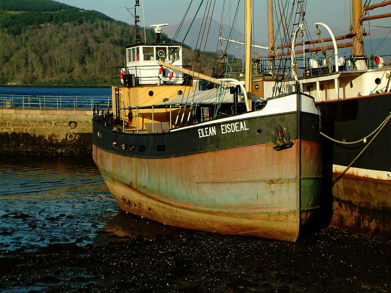 The diesel 'puffer' Eilean Eisdeal at her new home at Inveraray
