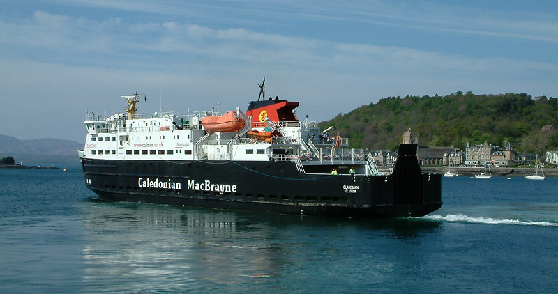 Clansman leaving Oban for South Uist