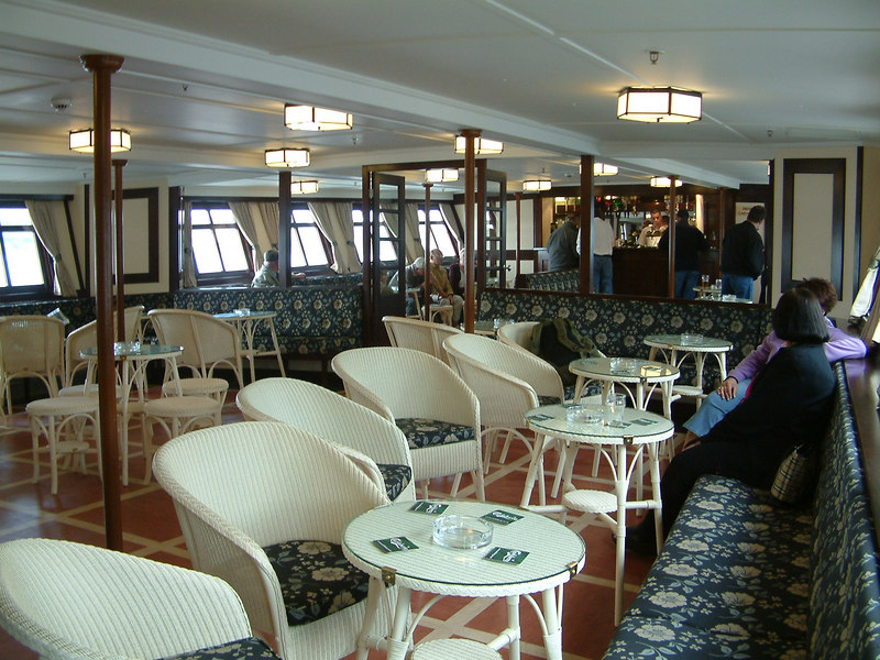Waverley's forward (Jeanie Deans) Lounge was refurbished to its original style during the Completion Phase of the Heritage Rebuild project. In this view the new Lloyd Loom seats, upholstery, linoleum and lighting are all in the original 1940s style.