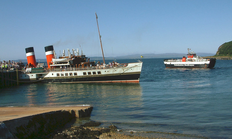 Waverley and Loch Tarbert at Lochranza
