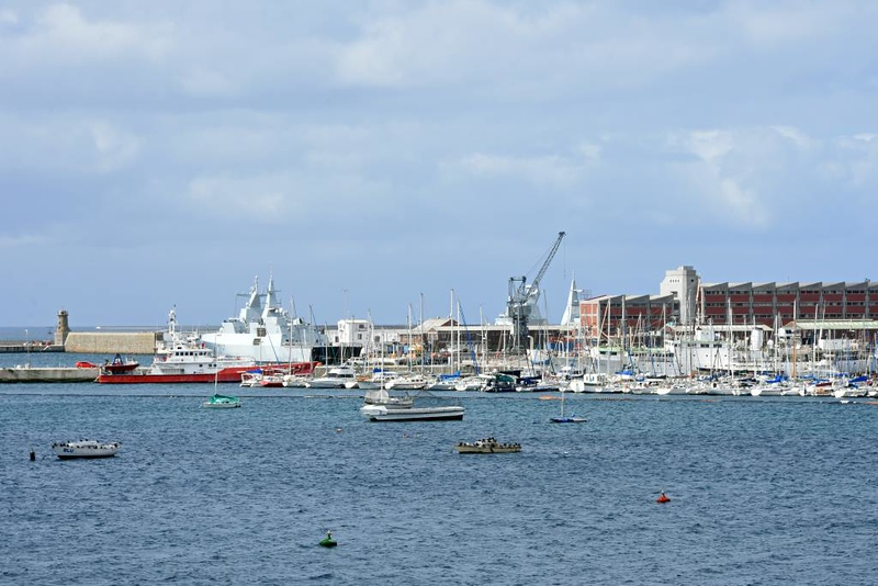 Simon's Town harbour, 13 September 2018 2.  Ruth First, F147 & Cable Restorer are at left and right.