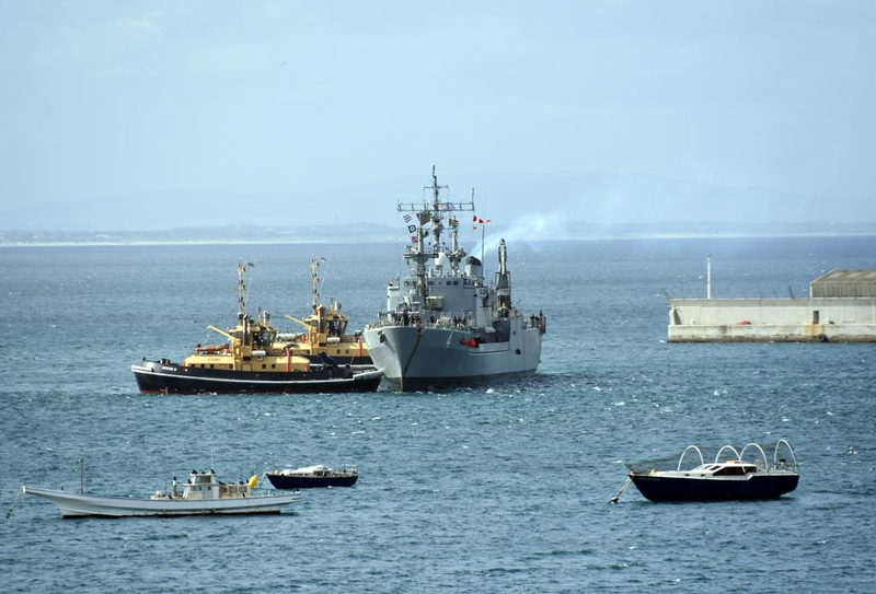 Uruguayan oiler ROU 04 General Artigas, Simon's Town, 13 September 2018.  Being assisted by South African Navy tugs Imvubu (nearer) & Inyathi.