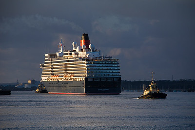 Queen Elizabeth completes her turn off 38/9 berth after arriving in the Port of Southampton from a Baltic cruise on 10th August 2018.