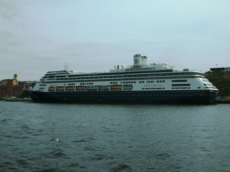 Holland America Line cruise ship Amsterdan at Masthamnen, Stockholm, 28 07 2006