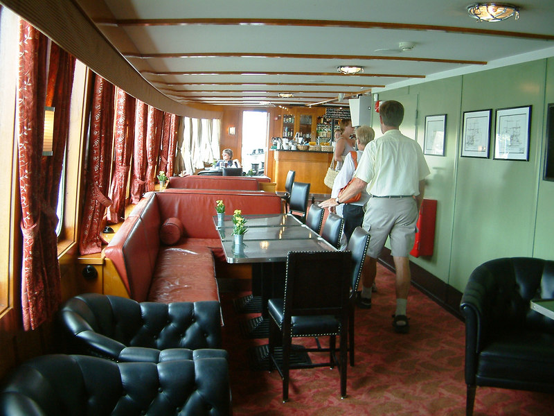 MV/SS Stockholm = forward lounge on main deck