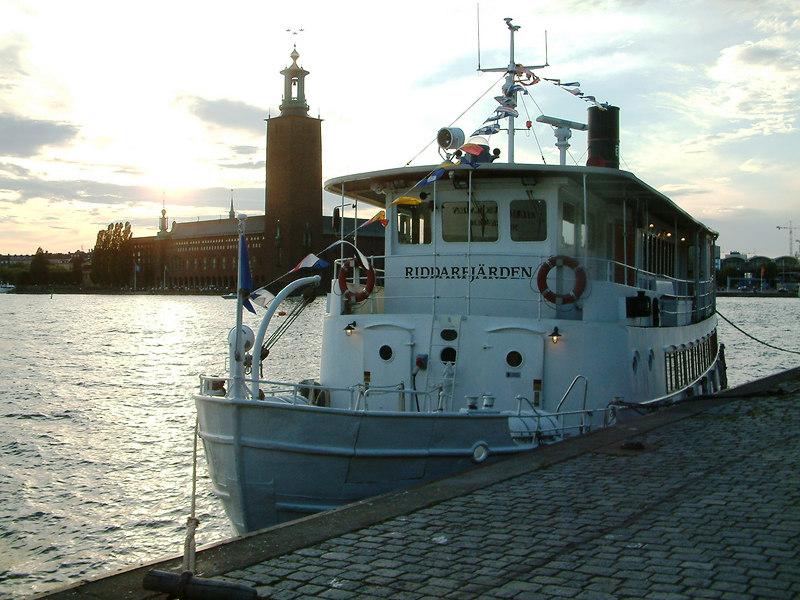 MV Riddarfjarden at Riddarhamnen with Stockholm City Hall beyond, 27 07 2006