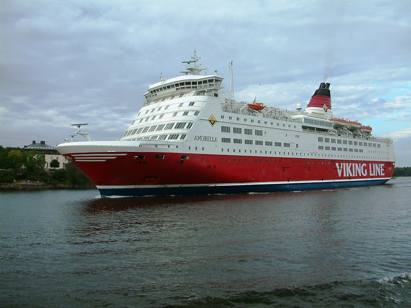 Viking Line ferry Amorella passing SS Storskar in Saltsjon, Stockholm, 29 07 2006