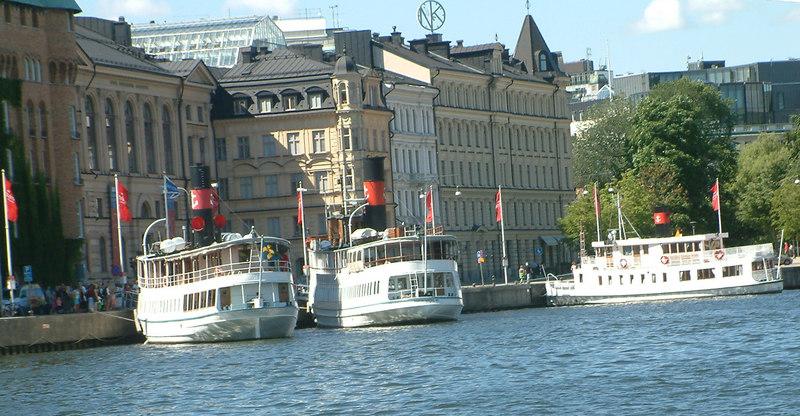 MV Ostana I, MV Gustafsberg VII and MV Gustaf III at Nybroviken, Stockholm, 30 07 2006