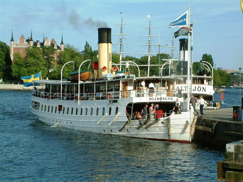 SS Blidosund and SS Saltsjon at Skeppsbrokajen, Stockholm 28 07 2006