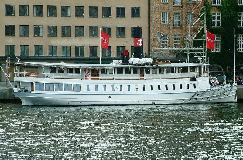MV Ostana I at Nybroviken, Stockholm, 29 07 2006