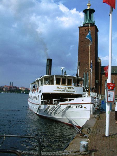 SS Mariefred at Klara Malarstrand with Stockholm City Hall behind, 28 07 2006