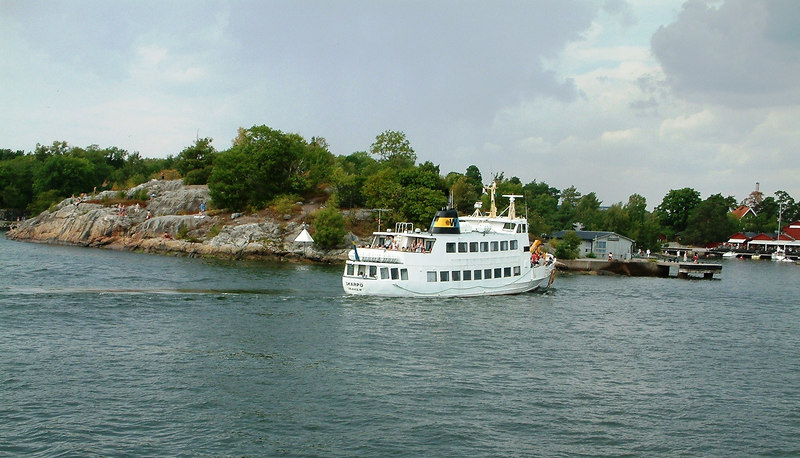 MV Skarpo calling at one of the numerous small islands in the Archipelago, 28 07 2006